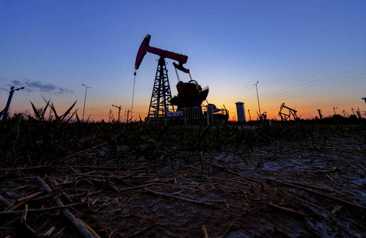 Le pétrole espère que les paiements de relance de la pandémie américaine stimuleront la demande de carburant