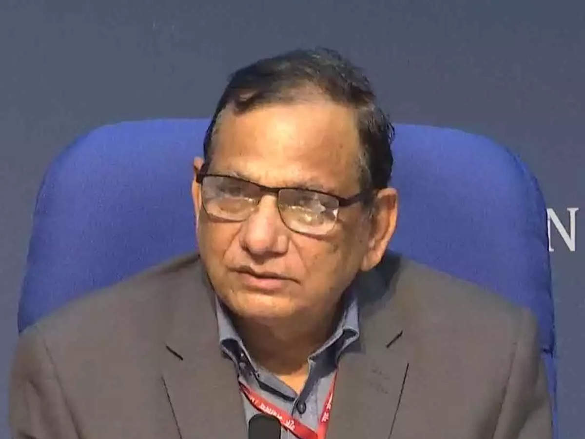 Enough stockpile of Covid-19 vaccine for inoculation of priority groups in first phase: VK Paul