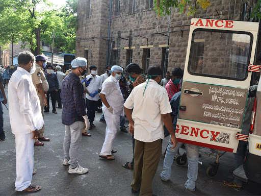 بنگال غربی: در صورت فوت بیمار در حین انتقال ، بیمارستان های خصوصی باید گواهی مرگ صادر کنند