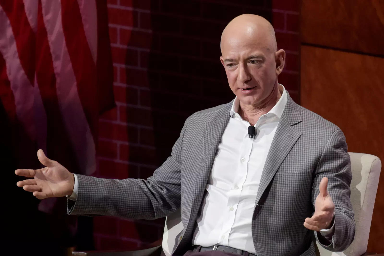 Jeff Bezos is out as Amazon CEO. But is this the end of his ominous question-mark emails?