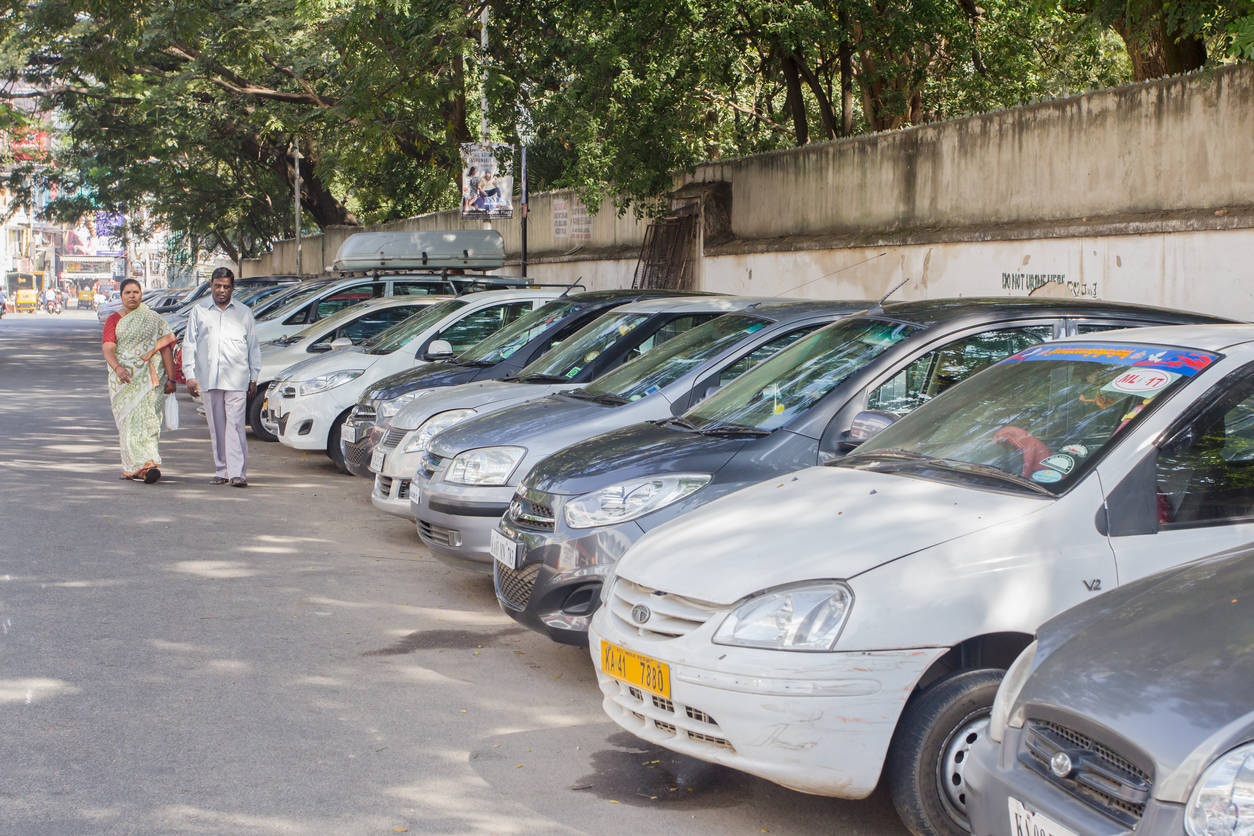 Bengaluru: RWAs back parking permits in residential areas, others fume – ET RealEstate