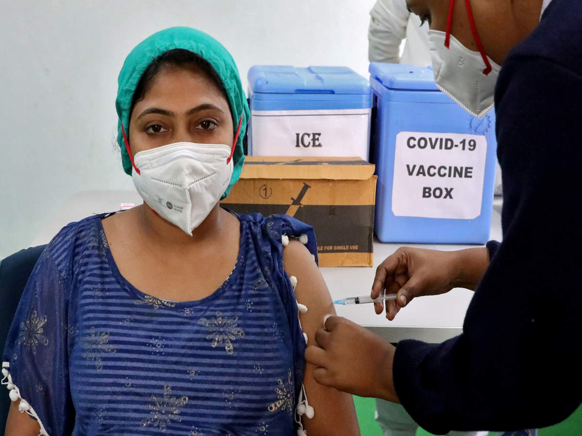 Kolkata: Vax timings to be extended from today; hospitals' forum proposes uniform hours