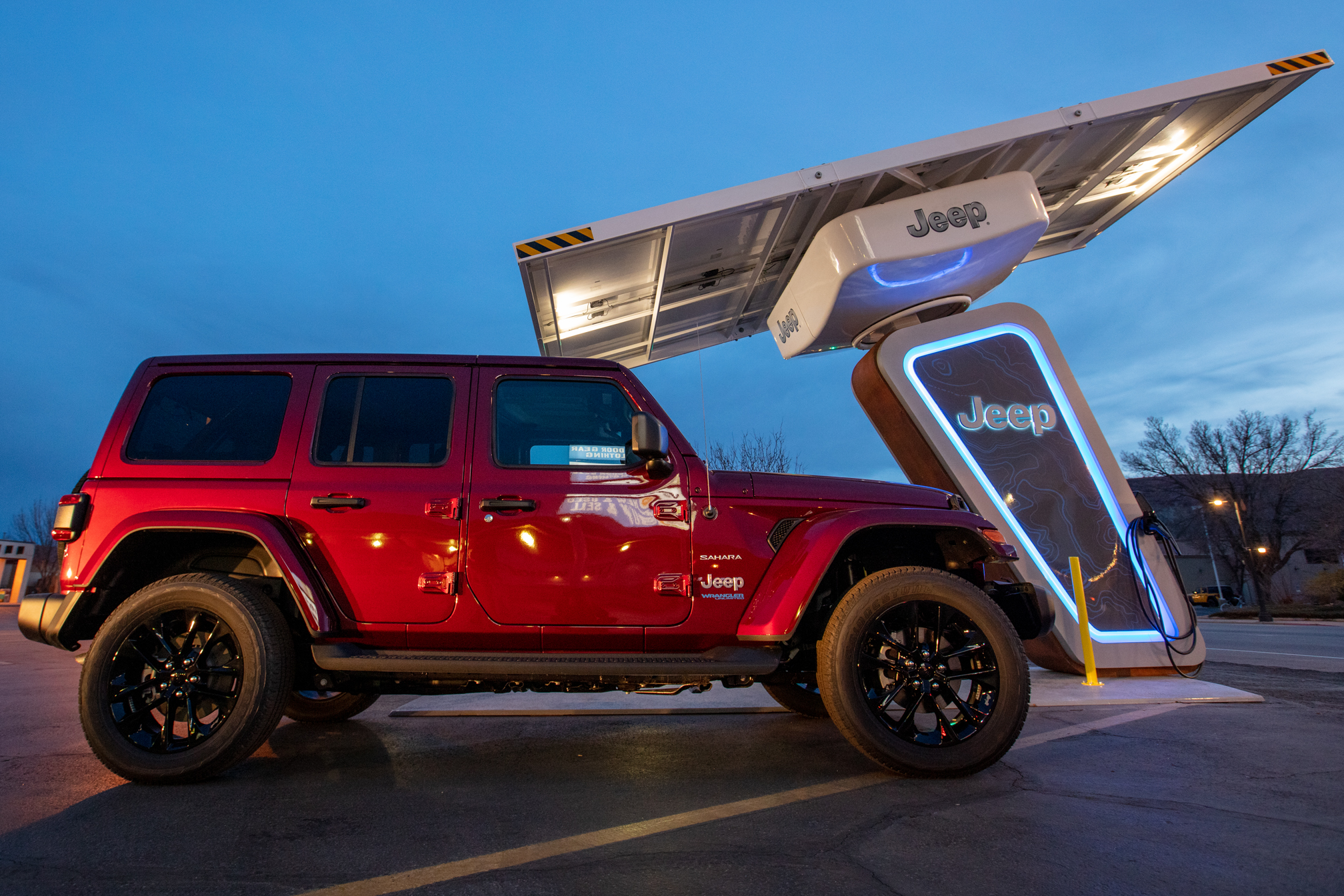 Jeep 4xe Charging Network: Jeep to open 4xe EV charging network at off-road  trails in the US, Auto News, ET Auto
