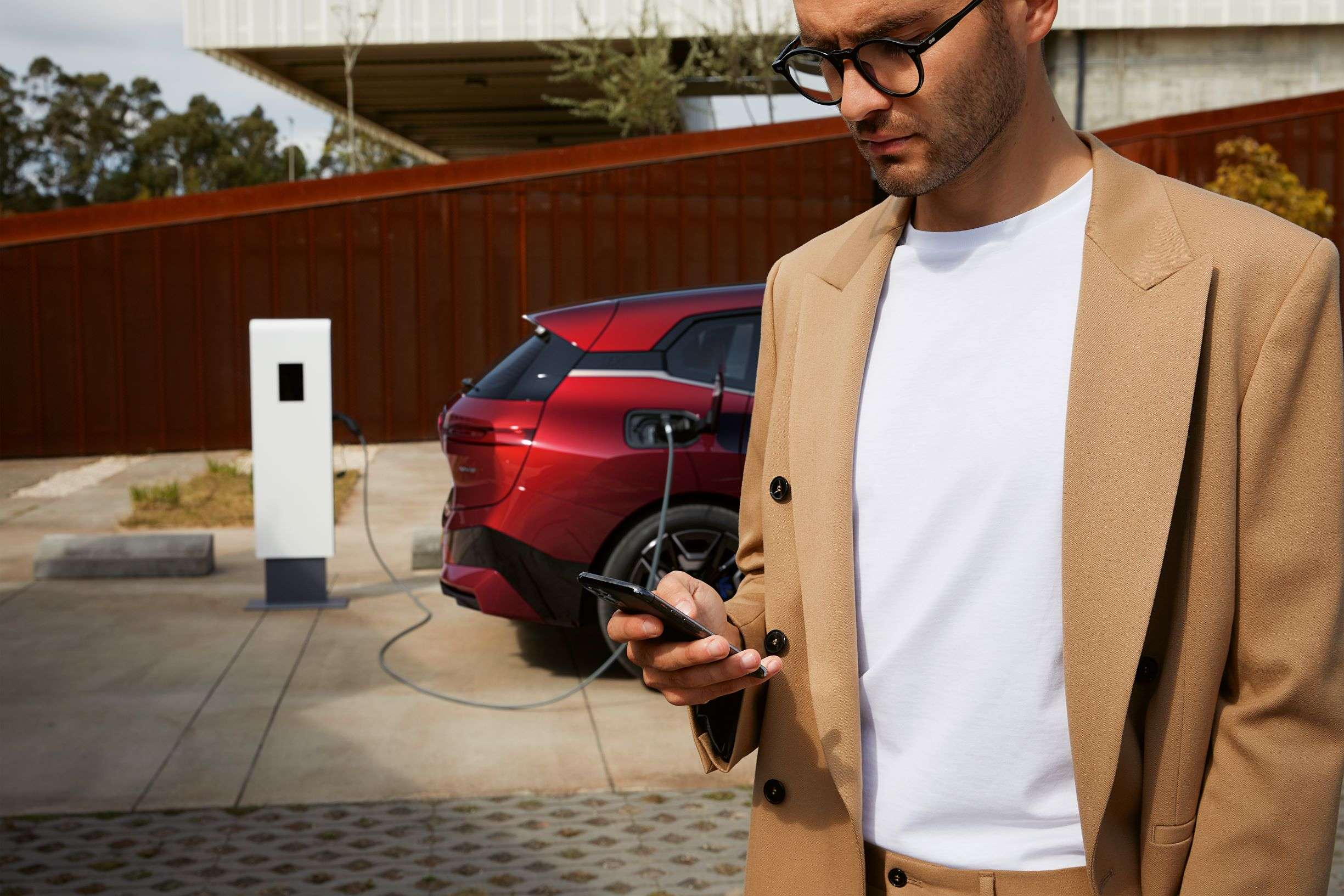 BP joins BMW Group-Daimler Mobility JV Digital Charging Solutions GmbH
