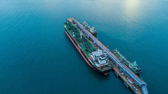 India's 1st floating LNG storage & regasification unit arrives in Maharashtra