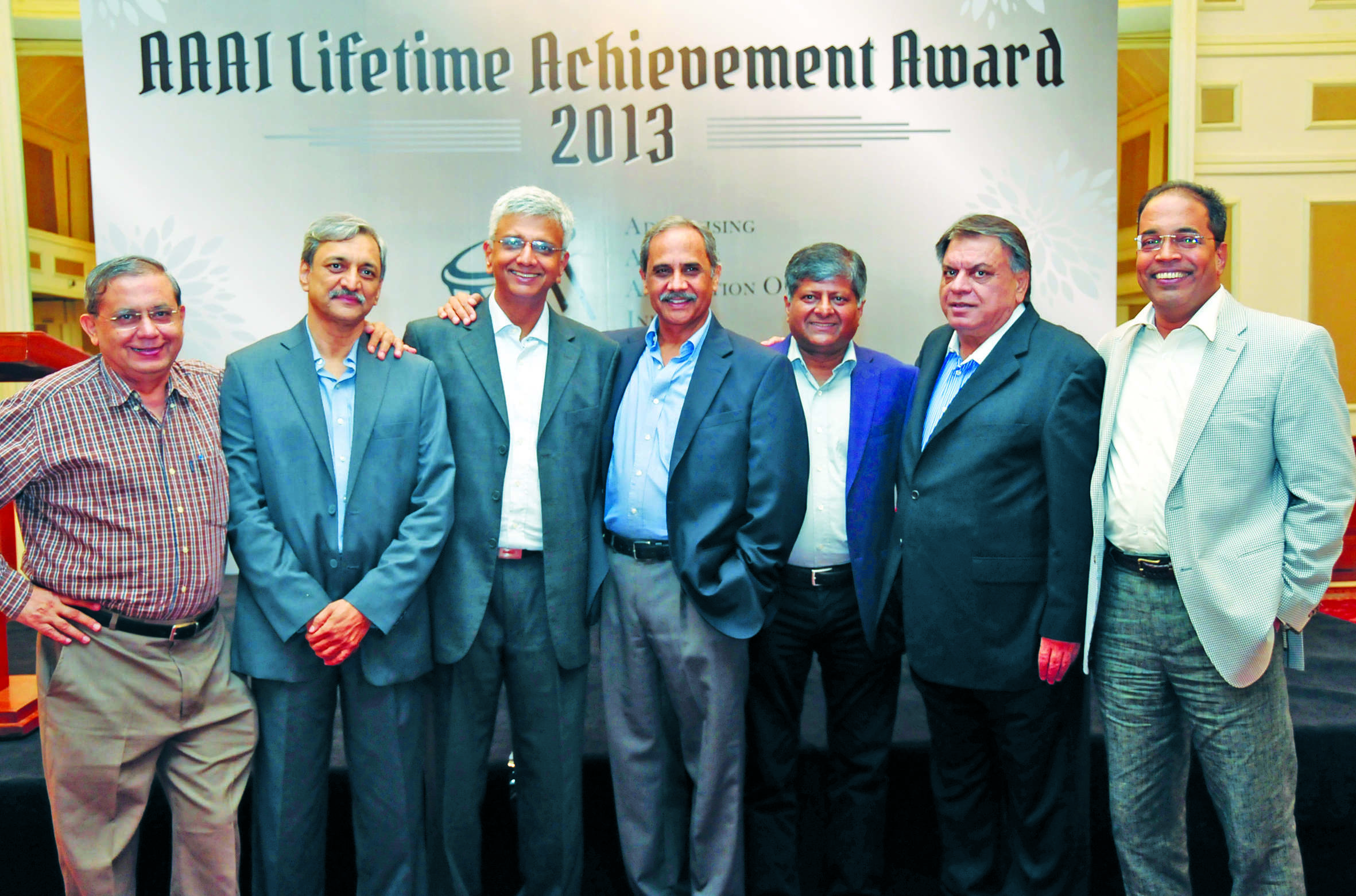 (De gauche à droite) Dorab Sopariwala, Nitin Bhagwat, Ambi Parameswaran, Arvind Wable, Shashi Sinha, Anil Kapoor et Nagesh Alai