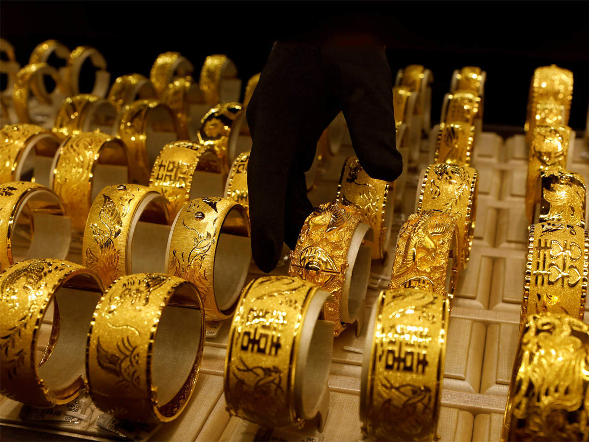 Physical gold in India swings to discount as pandemic stalls demand