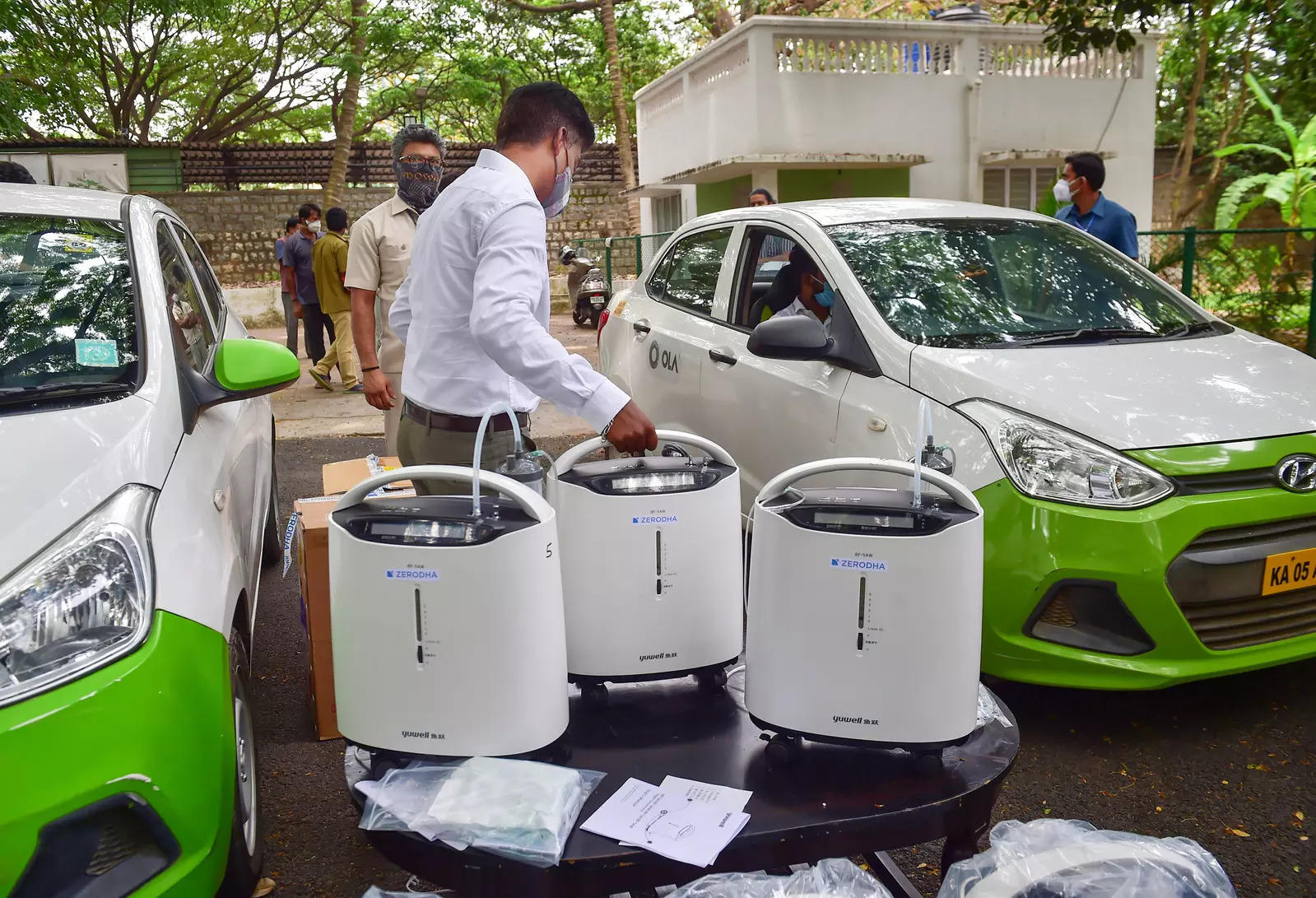 India receives 200 oxygen concentrators from Indonesia