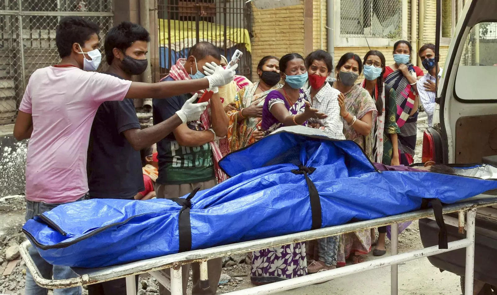 India records more than 4,000 daily Covid-19 deaths