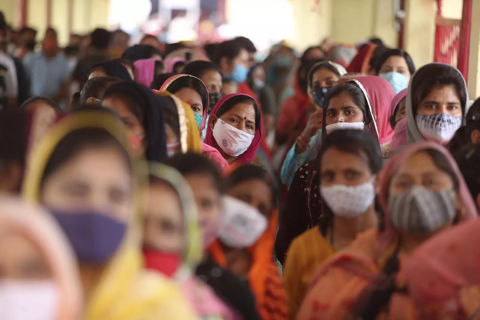 Unabated surge: 365 deaths, 34,875 fresh Covid-19 cases in Tamil Nadu