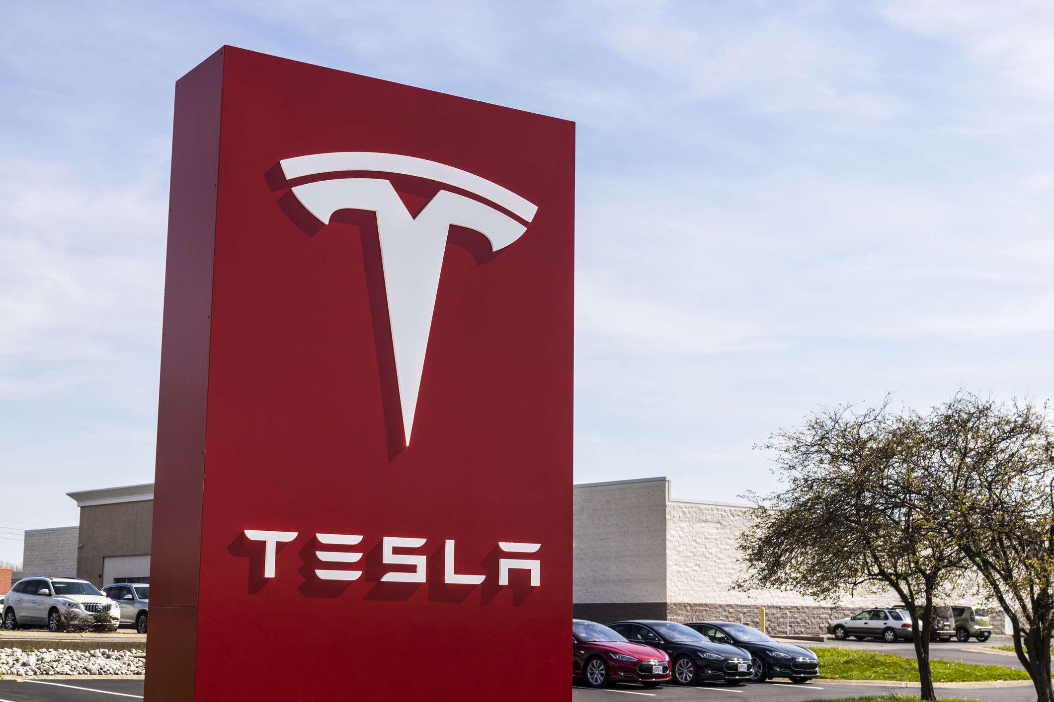 Tesla Steps Up Senior Recruitment in India