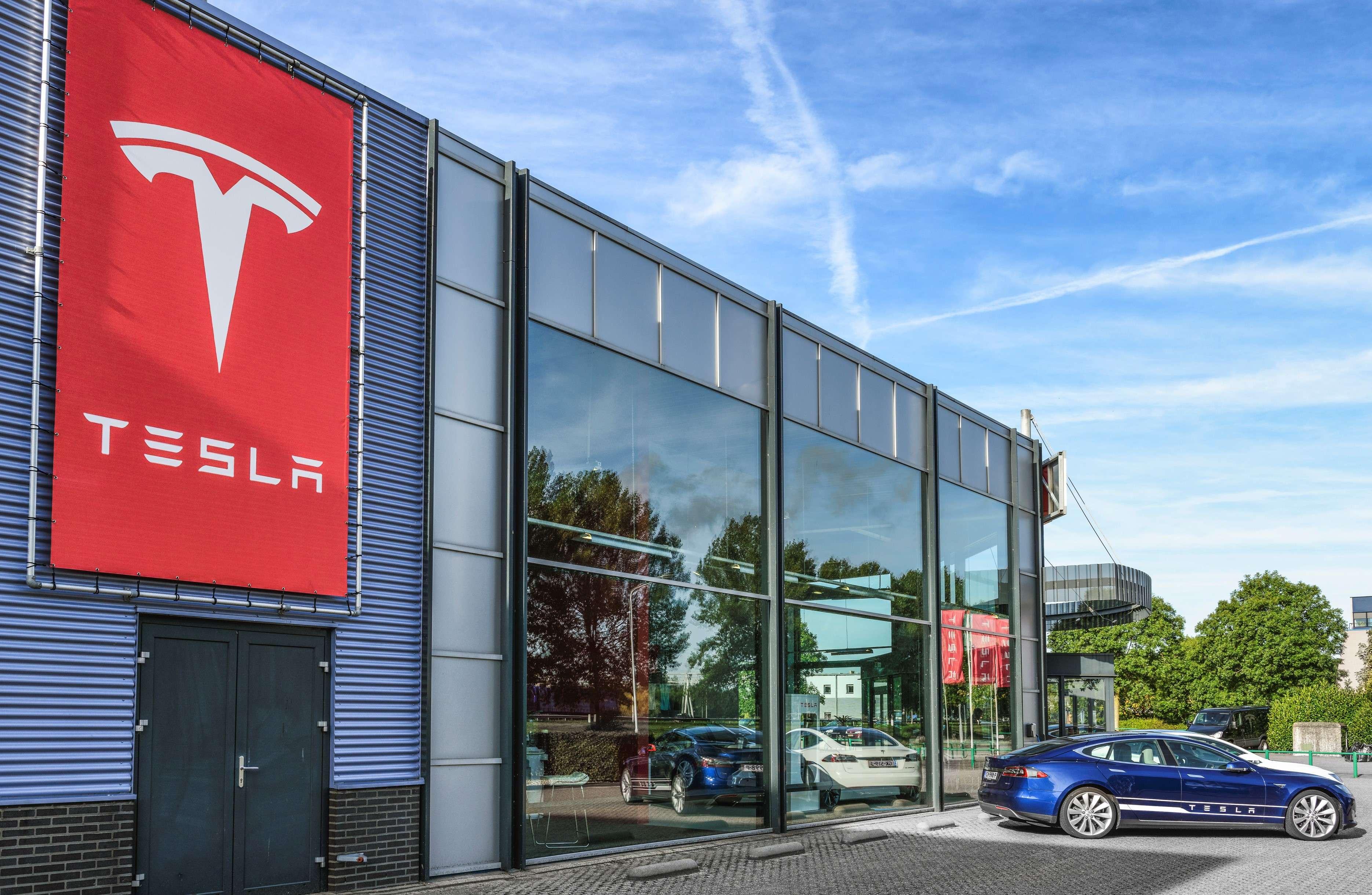 Tesla: Tesla to buy more than $1 billion of Australian battery minerals a  year, Auto News, ET Auto