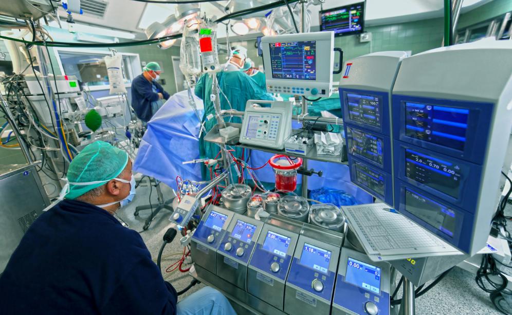 व्हाइटकोट्स Simbo.ai के सहयोग से डिजिटल मेडिकल रिकॉर्ड दस्तावेज़ीकरण के लिए SimboAlpha लॉन्च करेगा