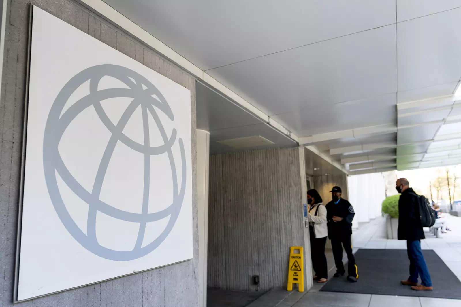 World Bank, African Union join forces to expand access to Covid-19 vaccines
