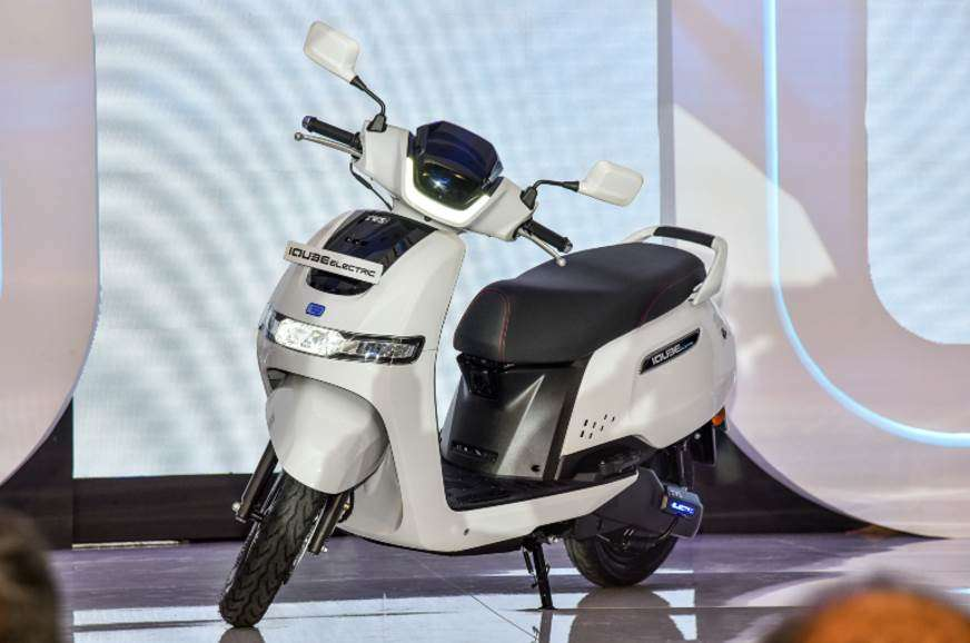 The scooter travels at a maximum speed of 78 kmph on a full charge.
