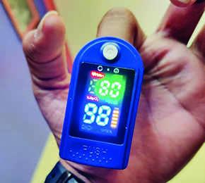 کسانی که در قرنطینه خانه هستند ، اکسی متر برای استفاده رایگان دریافت می کنند