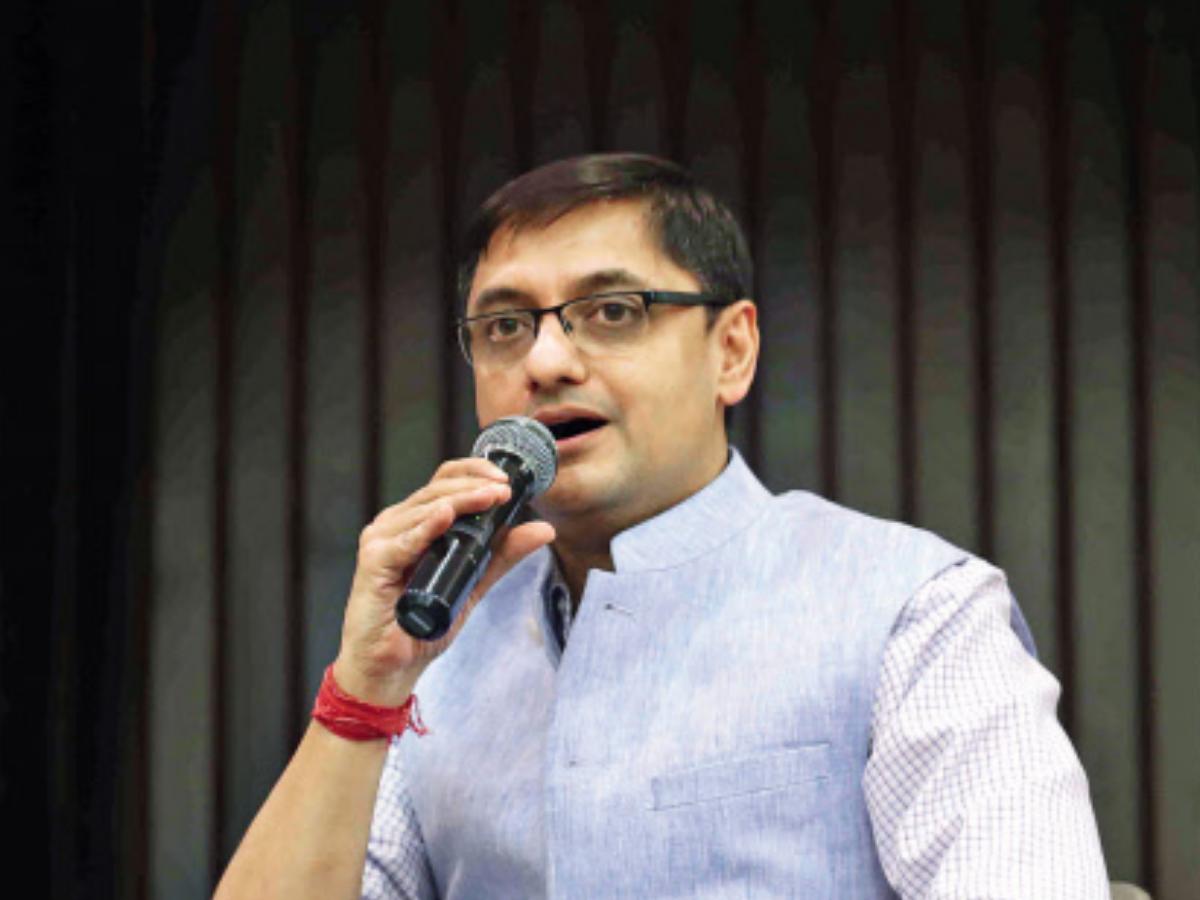 Vom Kundenservice von Vodafone Idea belästigt, erhielt einen Drohanruf: Sanjeev Sanyal