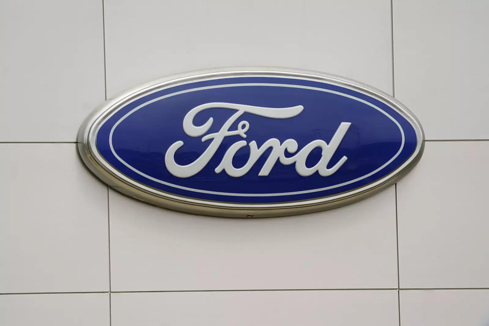 According to Union officials, Ford India's Chennai plant has about 2,700 associates (permanent workers) and about 600 staff.