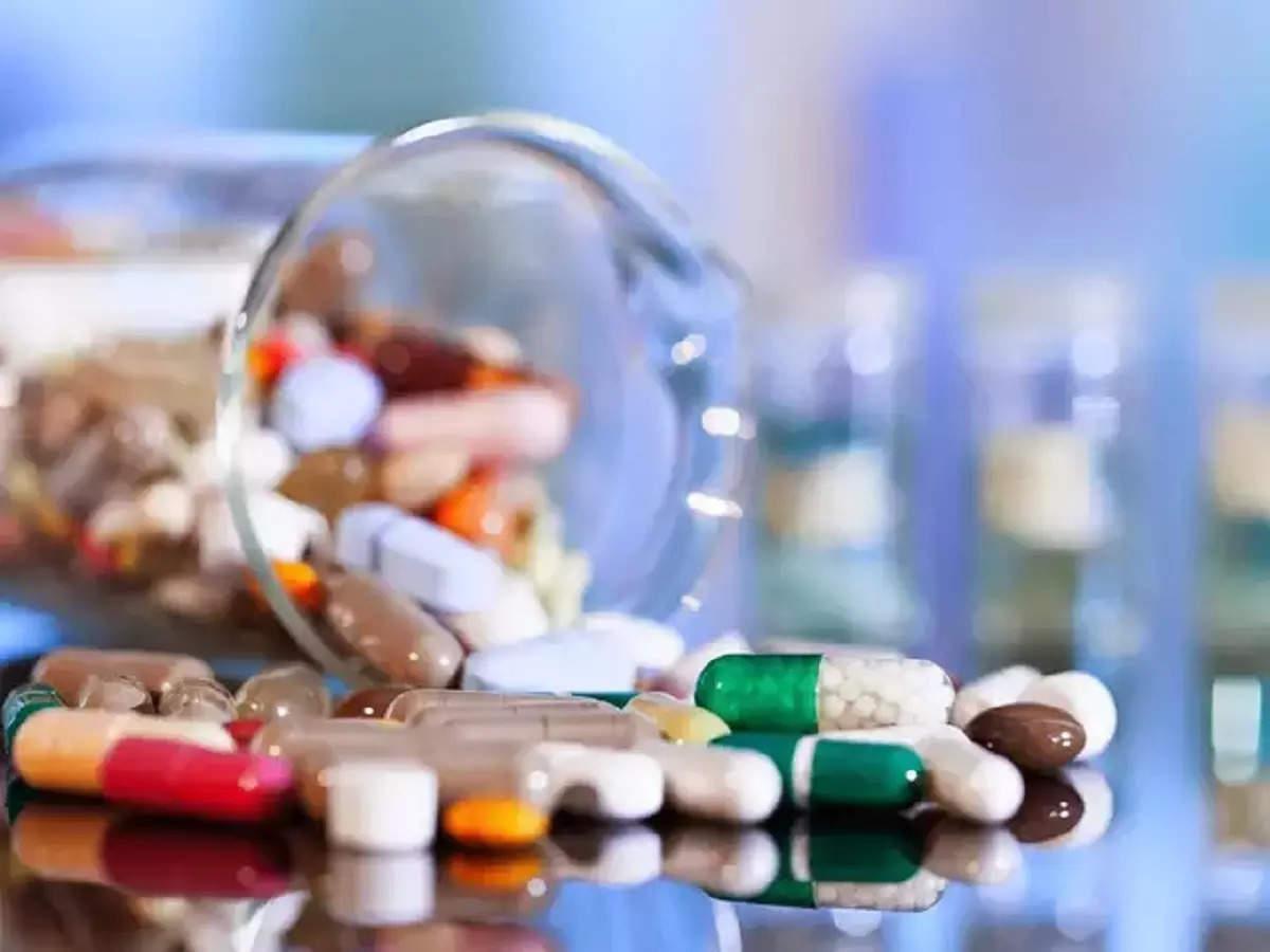 تعداد کمی از داروهایی که در ابتدا برای درمان کووید مورد استفاده قرار می گرفتند ، زمان را تحمل می کنند