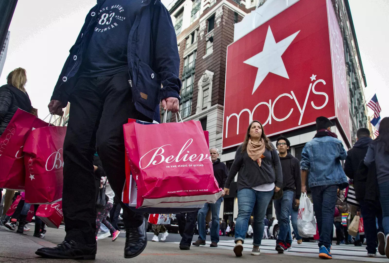 Macy's sues to keep Amazon off billboard space at NYC store