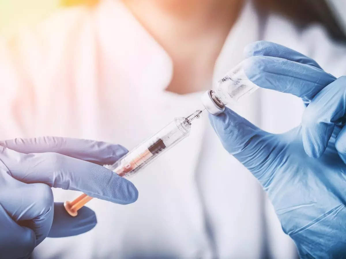 U.S. administers nearly 392 mln doses of COVID-19 vaccines - CDC