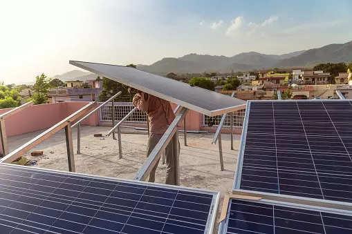 AMP Energy commissions solar power plant at Pondicherry University