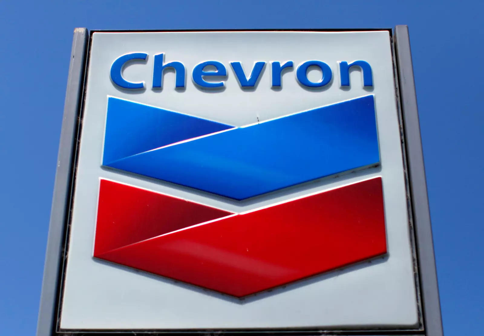 Chevron would rather pay dividends than invest in wind and solar -CEO