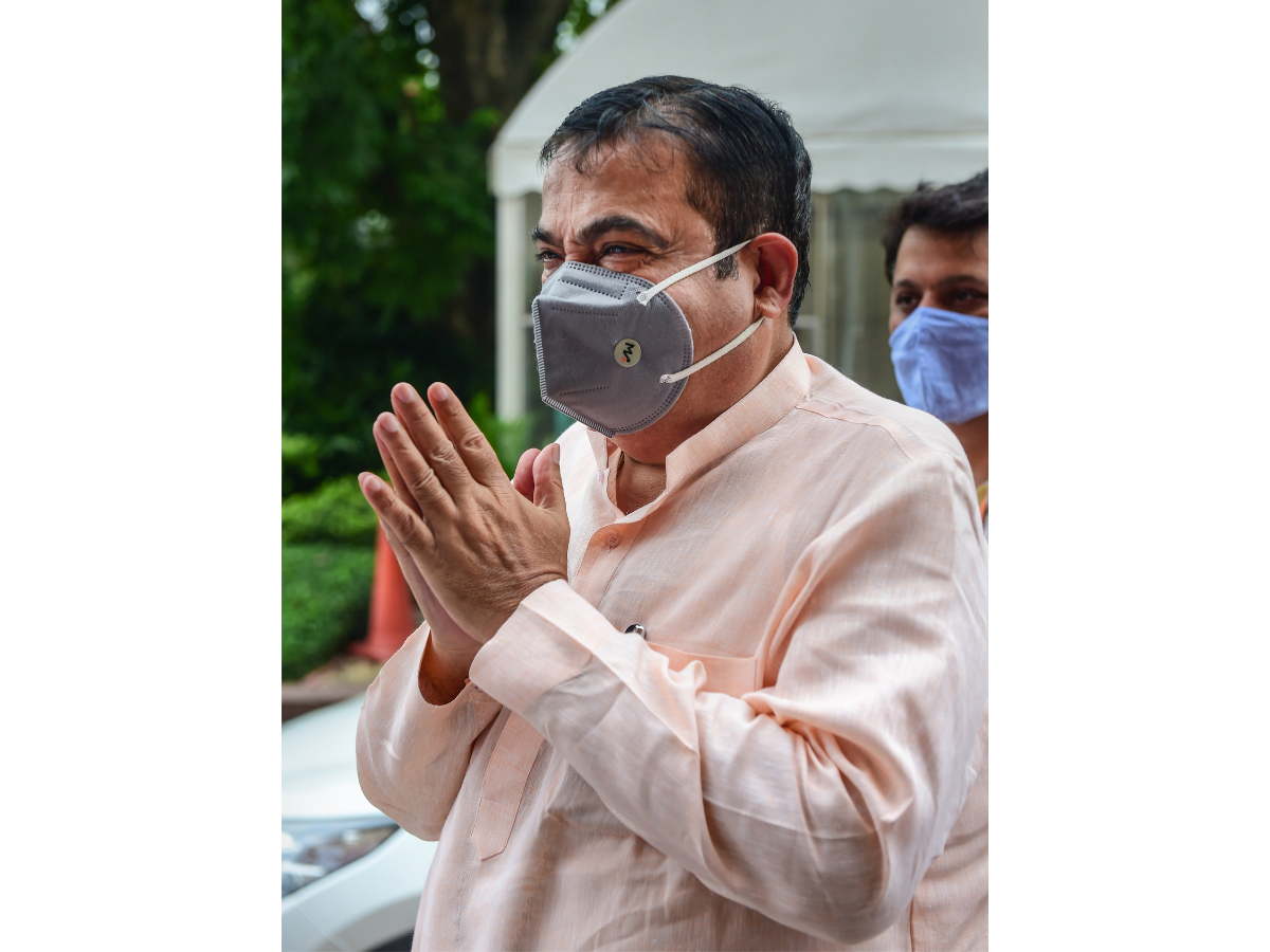 Govt looking for prospects about green hydrogen as potential transport fuel: Gadkari