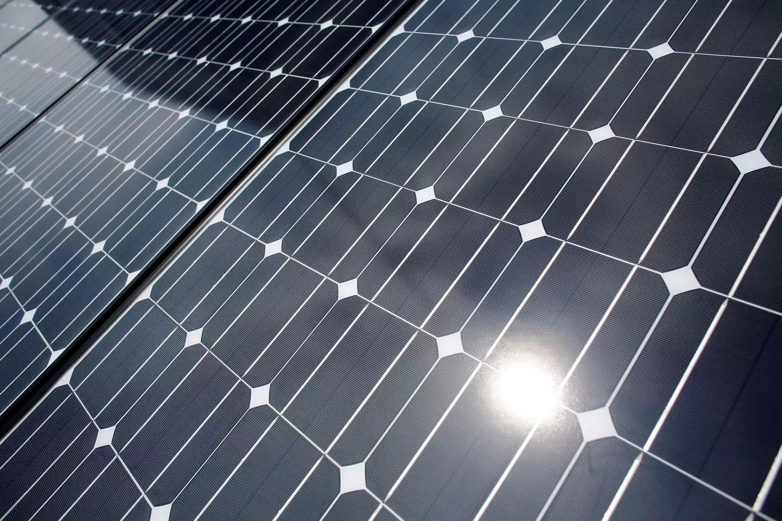 Study finds simple way to desalinate water using solar energy