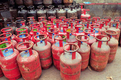 1 cr more free lpg connections in 2 yrs easier access to cooking gas planned oil secretary