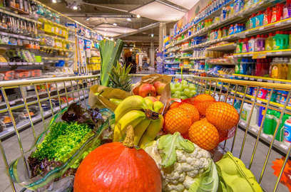 all eyes on grocery etail as ambani stares at a rival that can match him rupee for rupee
