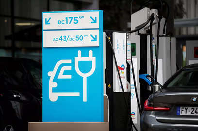 climate goals at risk if only the rich countries adopt electric cars