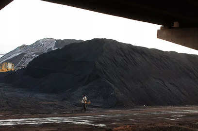 coal india temporarily halts supply to non power customers