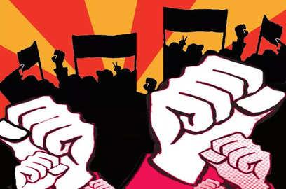 gurugram krrish world buyers protest against builders for denying them plots