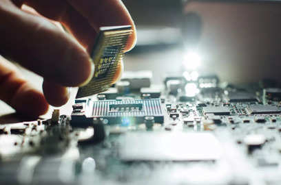 india accelerates talks with taiwan on 7 5 billion chip plant trade deal