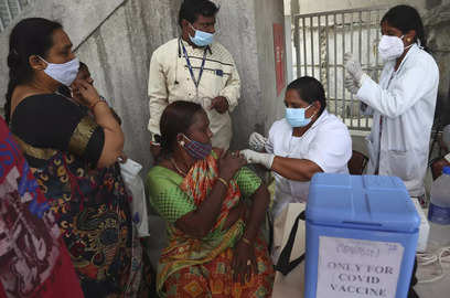 india administers over 86 crore vaccines new cases drop below 30 000