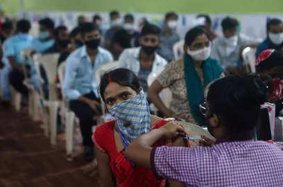 india crosses 1 billion covid 19 vaccination govt gears up for celebration