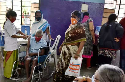 india holds vaccination drive for people with disabilities