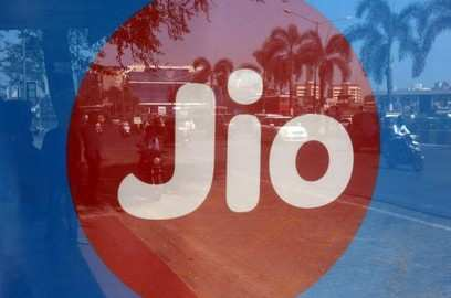 jio adds most active mobile users in march