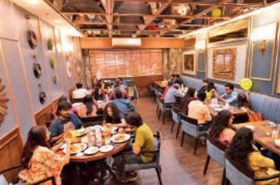 kolkata restaurants run out of food down shutters as patrons indulge in revenge dining