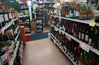 liquor makers seek home delivery of booze after long queues outside alcohol shops in delhi