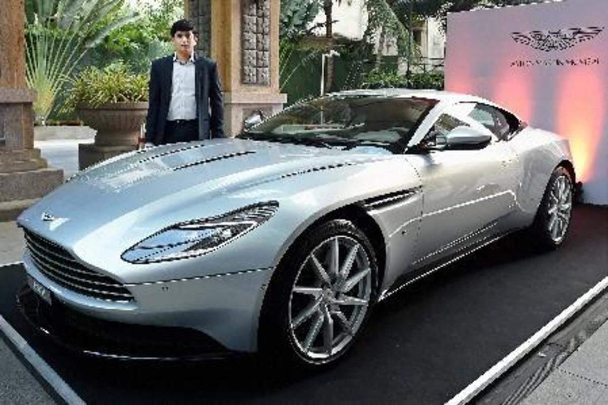 Aston Martin Aston Martin Showcases Db11 In Chennai Auto News Et Auto