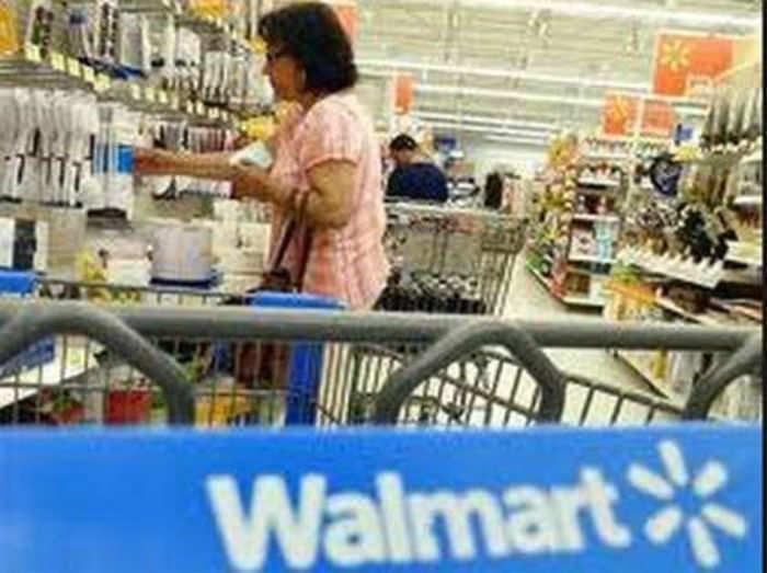 wal mart pricing to maximize profits