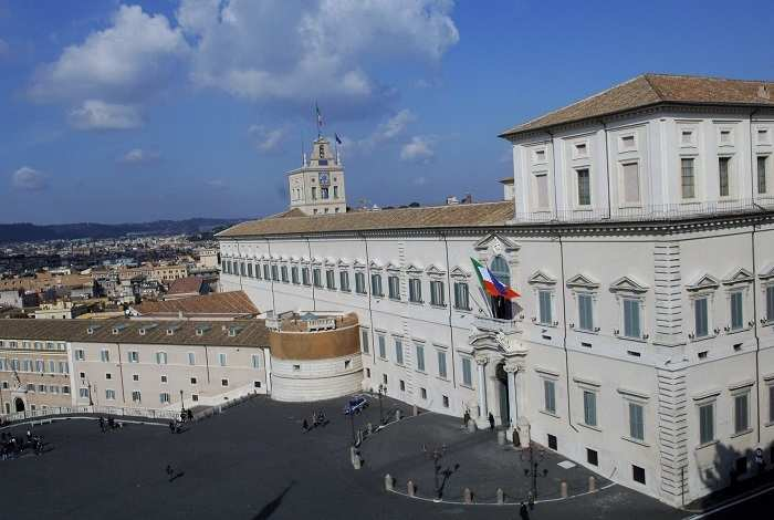 Budget Energy Top Up >> Take a look at the top 25 biggest palaces on Earth ...