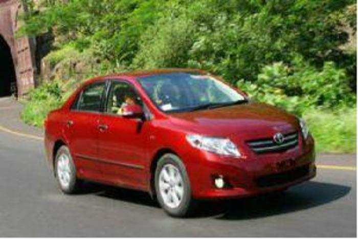 corolla altis toyota recalls 23 000 altis in india auto news et auto. Black Bedroom Furniture Sets. Home Design Ideas