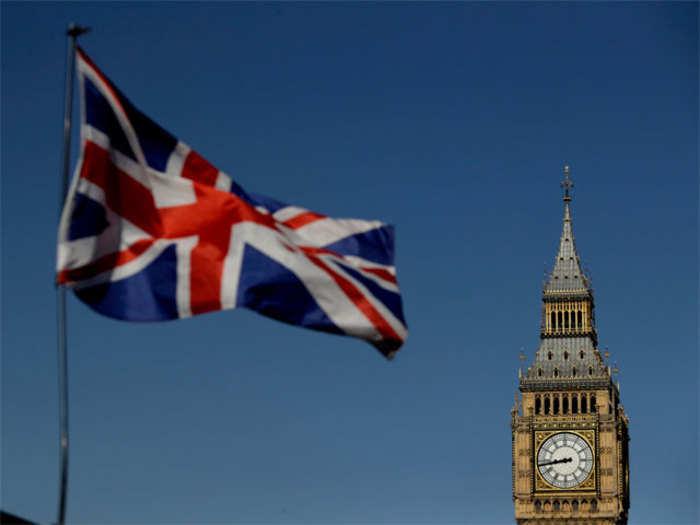 presidentialism in britain and australia essay