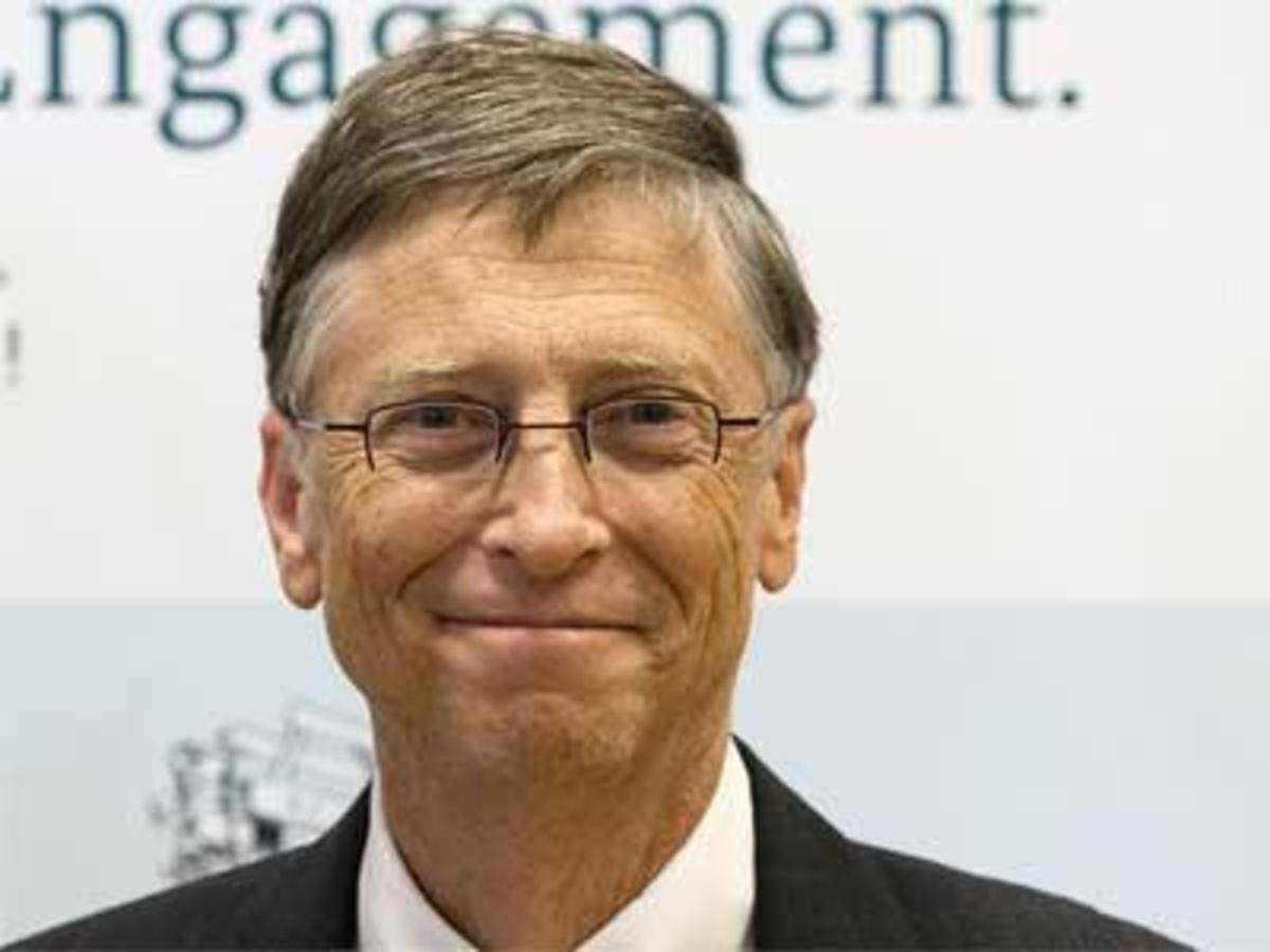 Bill Gates: Mark Zuckerberg, Bill Gates try opposite paths