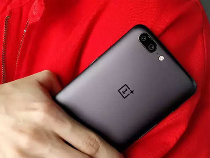 OnePlus opens first authorised offline store in India - ETRetail.com