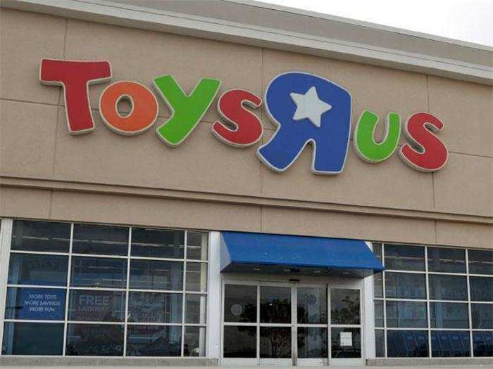 Toys R Us Toys R Us Plans To Close All U S Stores 33 000 Jobs