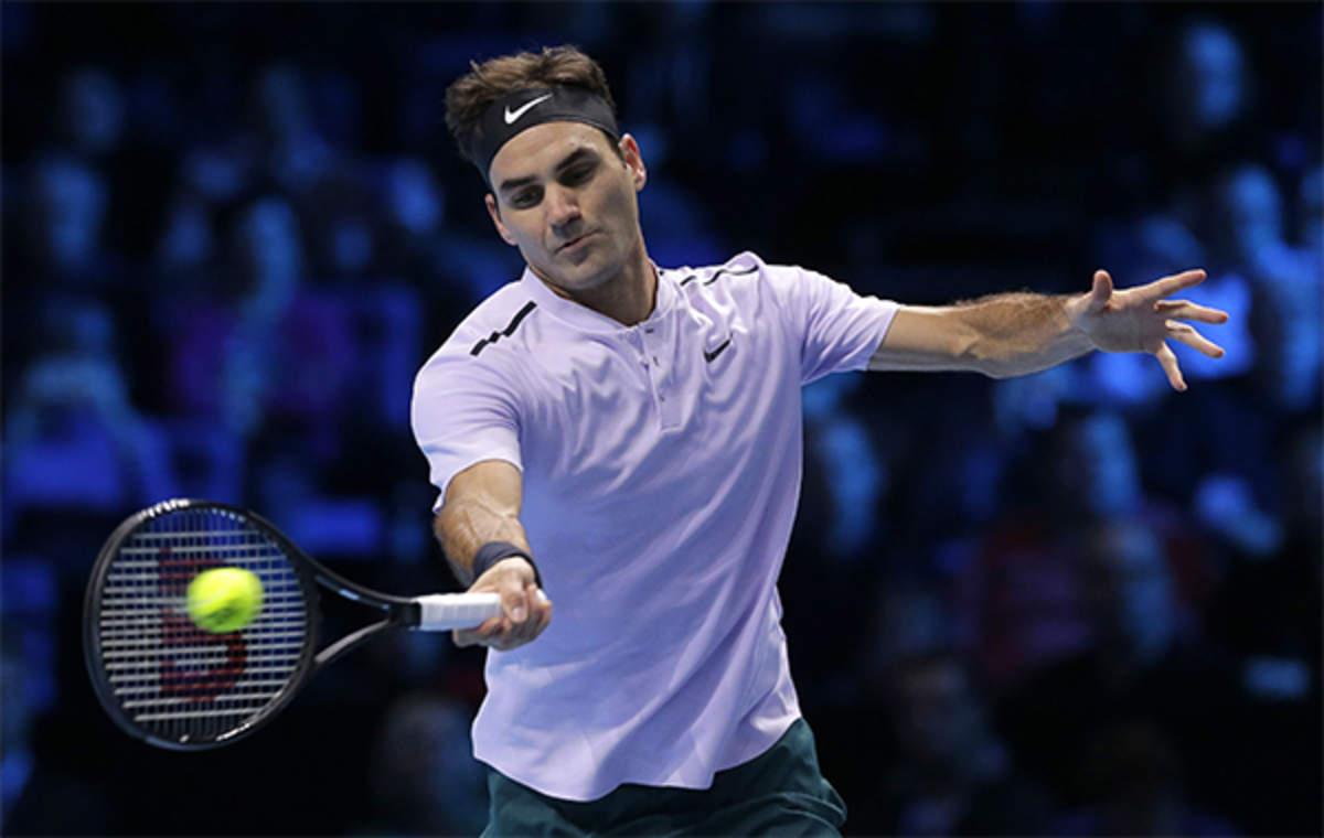 erosión En el piso Por cierto  Uniqlo: Roger Federer walks out at Wimbledon in Uniqlo shirt, not Nike,  Retail News, ET Retail